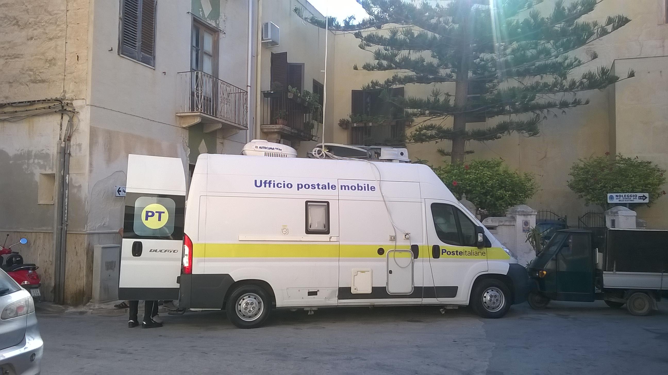 Ufficio Postale Poste Italiane : Favignana lavori di mezza estate: ufficio mobile di poste italiane